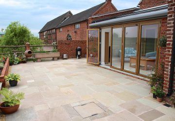 Solid Oak/Aluminium Solarlux bifold and wintergarden glass roof