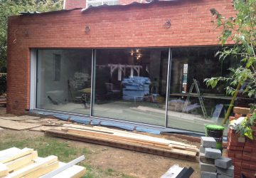 Cero sliding doors during construction