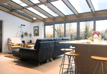 Solarlux glass roof with Highline bifold doors